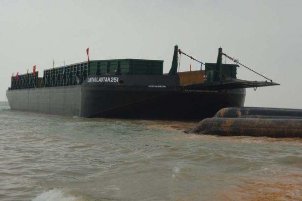 Deck Cargo Barge Lintas Lautan 251